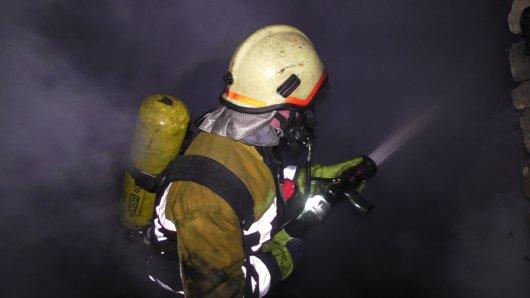 Безхатченки влаштували пожежу у покинутому будинку у Чернівцях