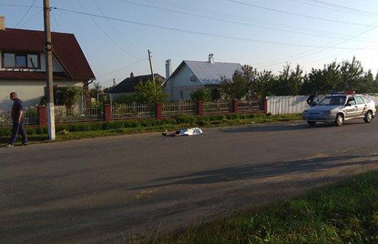 У Сторожинці місцевий житель потрапив під колеса іномарки (ФОТО)