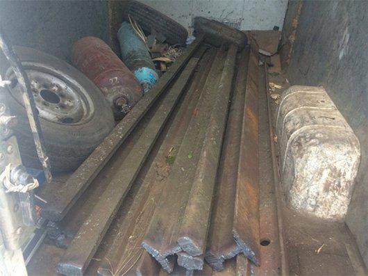 На Буковині поліцейські викрили крадіїв залізничної колії