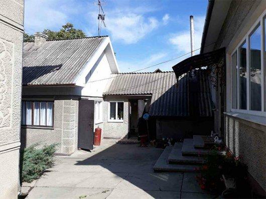 На Глибоччині чоловік пограбував будинок односельчанки