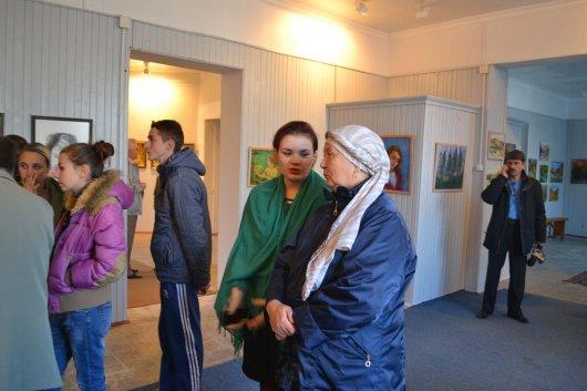 У Вижниці відкрили виставку художника-аматора з Чернівців Елли Мадей