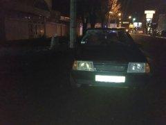 У Чернівцях під колеса автівок потрапили двоє чоловіків