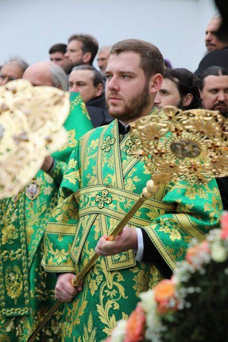 Митники затримали на кордоні кур'єра митрополита УПЦ МП Лебедя, який віз у Москву $65 тис.