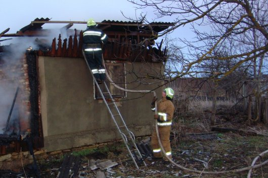 Впродовж вихідних днів на Буковині трапилося 12 пожеж, на одній із них виявлено тіло жінки