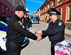 Автопарк буковинської поліції поповнився 12 новими автами
