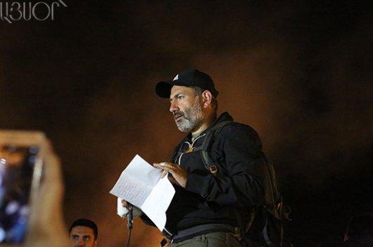 Бидло, яке грабує народ злякалося! Пашинян зробив за три дні в Вірменії більше, ніж Порошенко за чотири роки